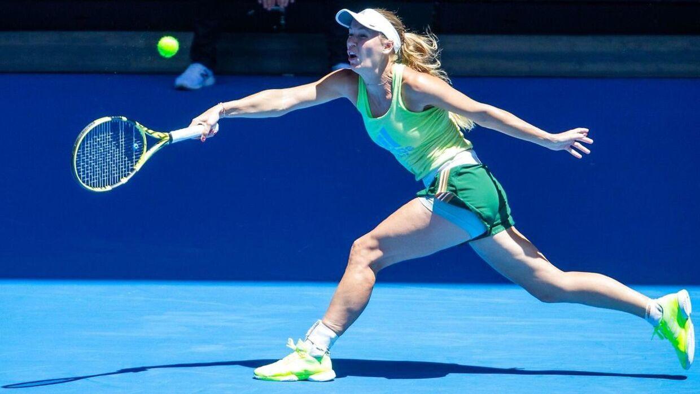 Caroline Wozniacki har siden sin tidlige exit ved sidste uges WTA-turnering i Auckland på New Zealand trænet i Melbourne, hvor Australian Open indledes på mandag.