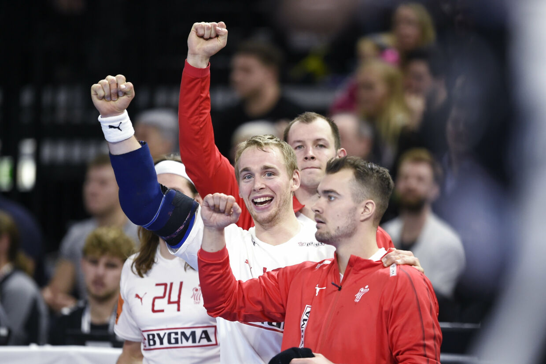 Der var god stemning på udskiftningsbænken, da Danmark torsdag indledte VM med en storsejr over Chile. Liselotte Sabroe/Ritzau Scanpix
