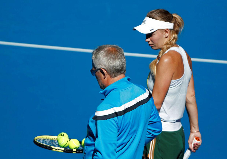 Caroline Wozniacki på træningsbanen sammen med sin far, Piotr Wozniacki.