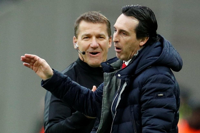 Arsenal-manager Unay Emery (i forgrunden) ærgrer sig under lørdagens kamp mod West Ham. John Sibley/Ritzau Scanpix