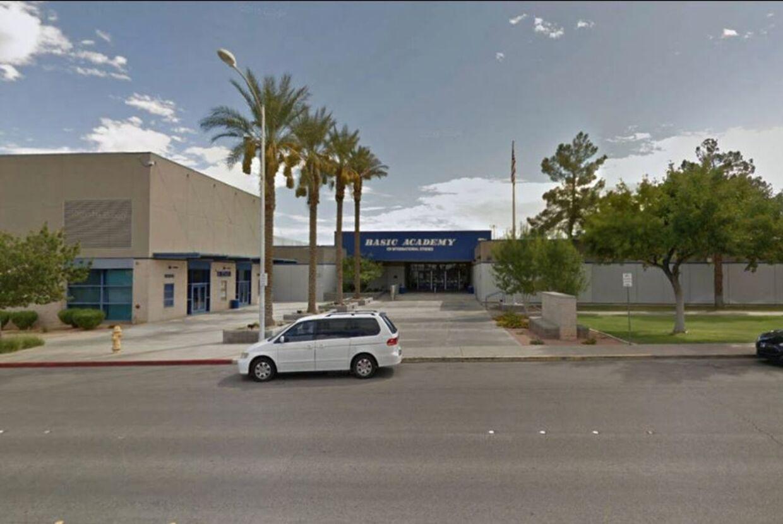 Det var her på Hendersons's Basic High School, Breanna Hernandez underviste, indtil hun blev anholdt.