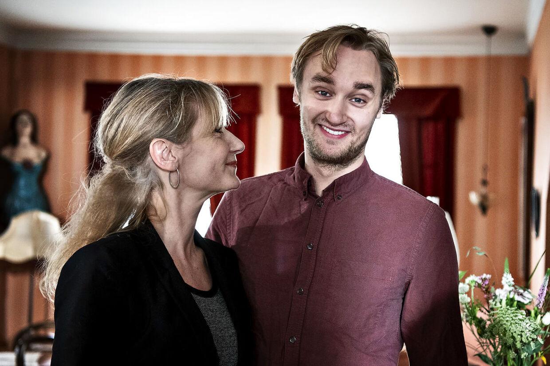 Pressemøde i forbindelse med lanceringen af TV2s tv-serie Badehotellet 5. sæson. Anette Støvelbæk og Lue Støvelbæk