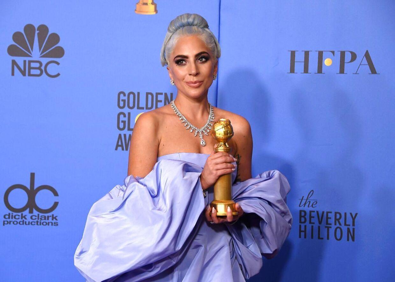 Lady Gaga er én af de mange musikstjerner, der nu siger undskyld for deres samarbejde med R. Kelly.