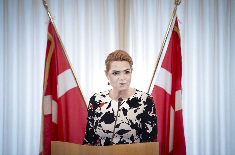 Udlændinge- og integrationsminister Inger Støjberg (V) byder nye danske statsborgere velkommen ved den første grundlovsceremoni i Eigtveds Pakhus torsdag den 17. januar 2019. (Foto: Liselotte Sabroe/Scanpix 2019)