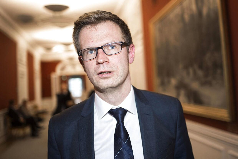 Benny Engelbrecht (S) mener ikke, at Enhedslisten har påvirket Socialdemokratiets beslutninger.