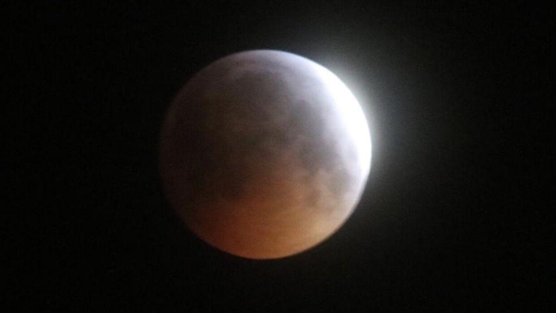 Måneformørkelsen set fra Vallensbæk.