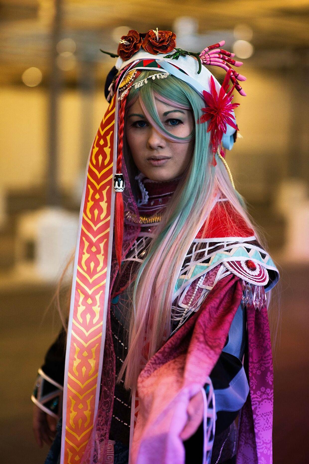 Sarah Wallin i et cosplay-kostume, hun selv har lavet.