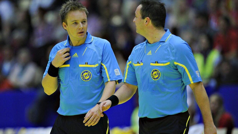 Det danske dommerpar Mads Hansen og Martin Gjeding tilbage i 2010.