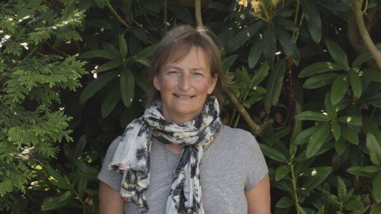 Maria Jensen arbejder som dansklærer ved Sygehus Lillebælt. Her har de fundet en måde, hvorpå hospitalernes udenlandske læger kan lære sproget ordentligt. Nu opfordrer hun til, at man gør metoden landsdækkende.