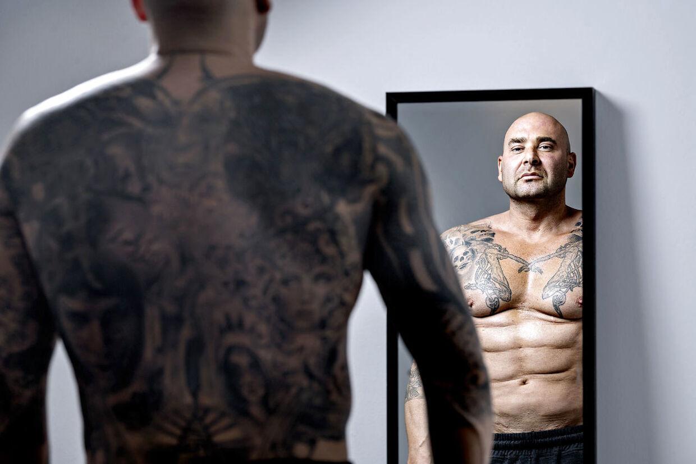 Kim Novaa er glad for, hvad han ser i spejlet.