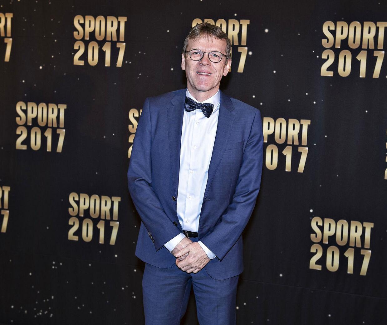 Mads Øland har som ved herrelandsholdet i fodbold også forhandlet på spillernes vegne i badminton-konflikten.