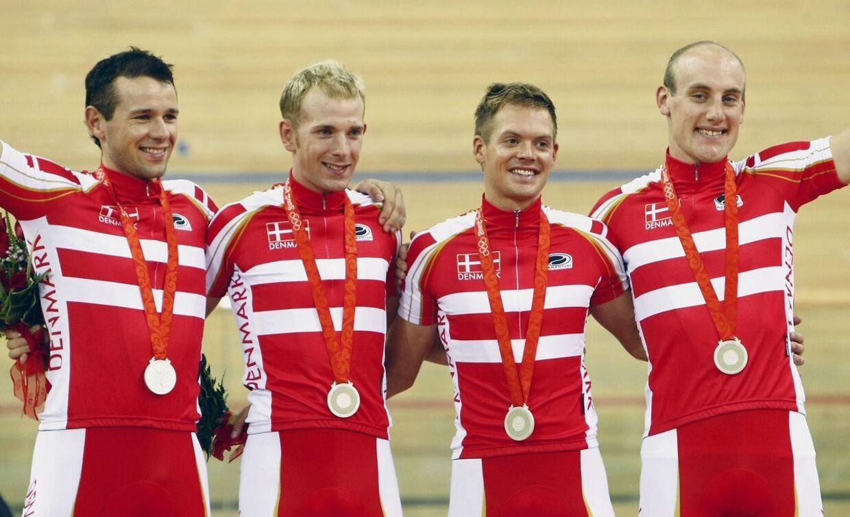 Ved OL i Beijing i 2008 vandt Danmark sølv i holdforfølgelsesløbet på cykelbanen. Fra venstre: Alex Rasmussen, Michael Mørkøv, Jens-Erik Madsen og Casper Jørgensen.