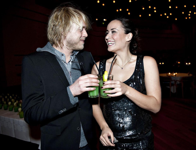 ARKIVFOTO. Julie Berthelsen var i 2010 vært for Melodi Grand Prix sammen med tv-værten Felix Smith.