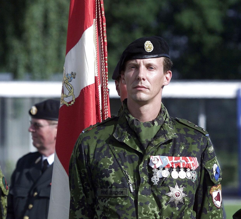Prins Joachim har haft en lang tilværelse i forsvaret. Billedet her er fra 2001.