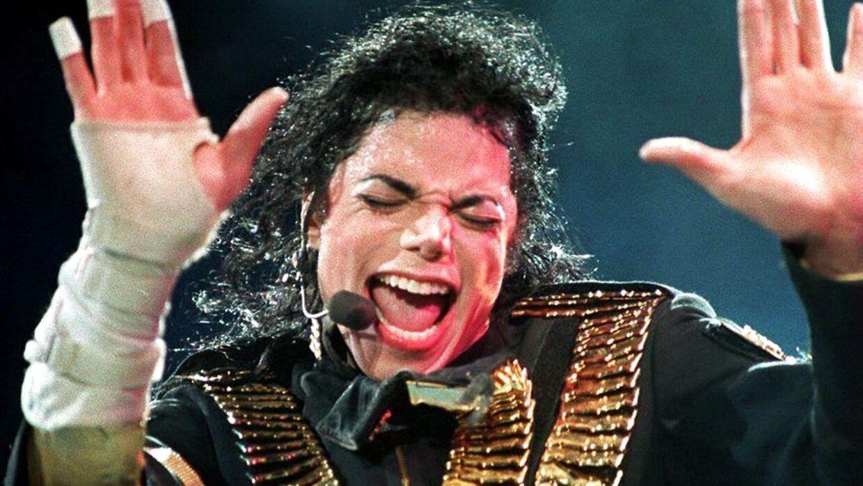 Danske Michael Jackson-fans går til kamp for deres idol.