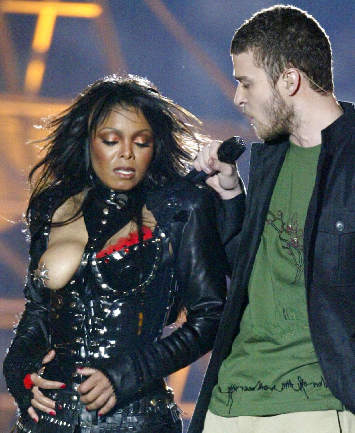 Janet Jackson og Justin Timberlake ved Super Bowl i Houston, 2004.