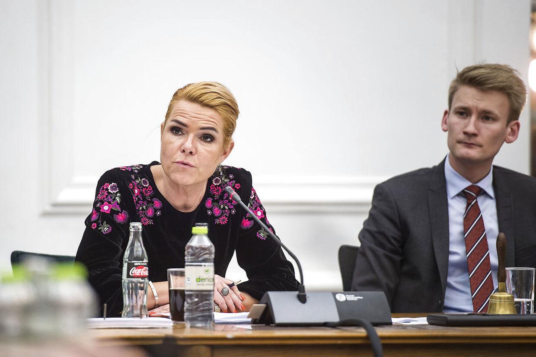 Udlændinge- og integrationsminister Inger Støjberg (V) er til åbent samråd i Folketinget.