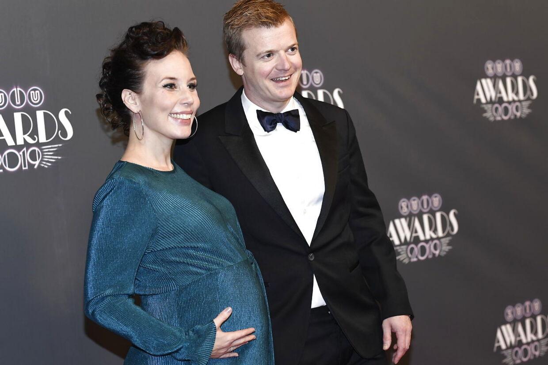 Tobias Dybvad skal være far for første gang til juni, hvor hans forlovede Marie Schmidt er sat til at føde.