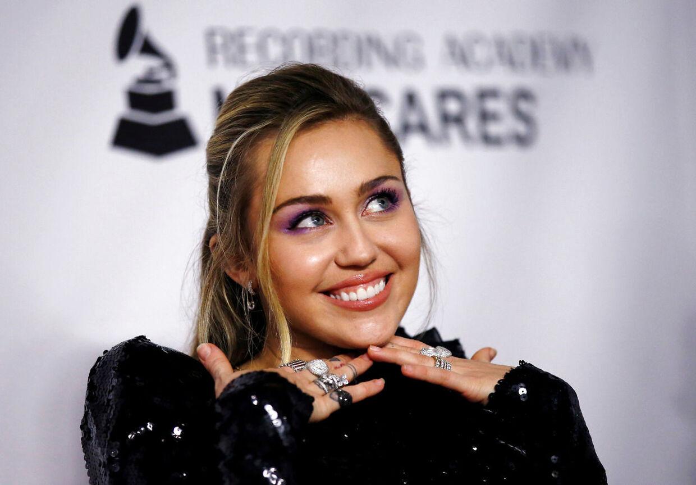 Miley Cyrus har taget navn efter sin ægtemand. Arkivfoto