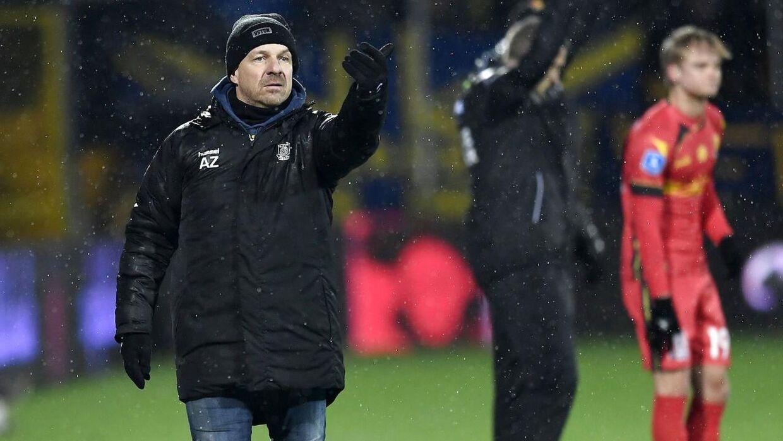 Alexander Zorniger har nogle problemer med sit forsvar, mener Søren Klæstrup.