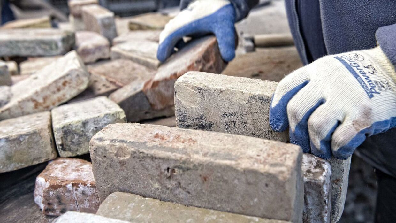 En virksomhedsejer fra byggebranchen fortæller til B.T., hvordan han i stigende grad oplever, at kunder afpresser ham.