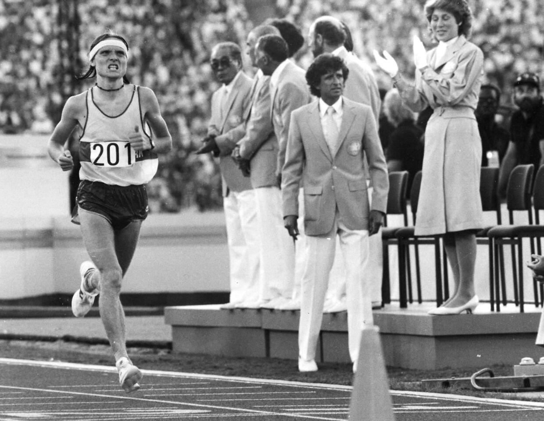Henrik Jørgensen løber over målstregen som nr.19 i Marathon ved OL i Moskva 1980.