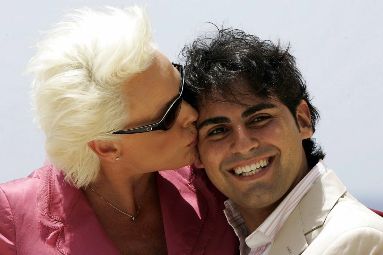 Brigitte Nielsen og hendes mand Mattia Dessi da de blev forlovede. // REUTERS/Darrin Zammit Lupi (MALTA)