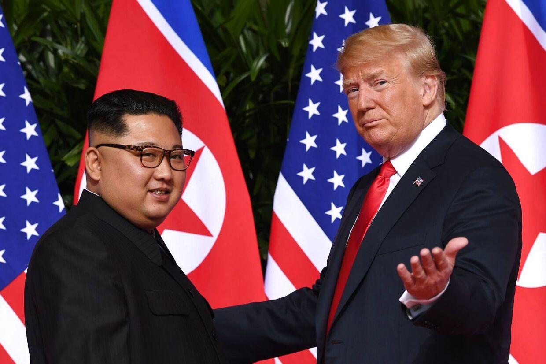 Kim-Jong-un går efter OL 2032 til Nordkorea i samarbejde med Sydkorea. Donald Trumps USA afholder OL i Los Angeles i 2028.