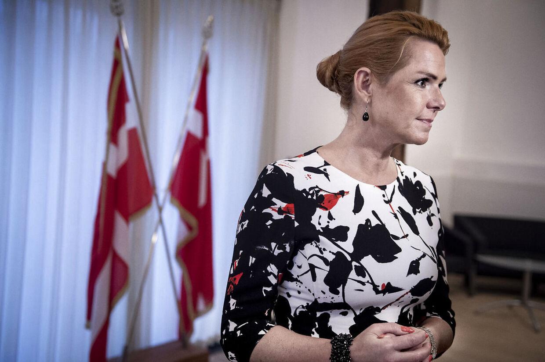 »Da Mette Frederiksen sidst sad i regering, lempede hun udlændingepolitikken 45 gange,« siger udlændingeminister Inger Støjberg.