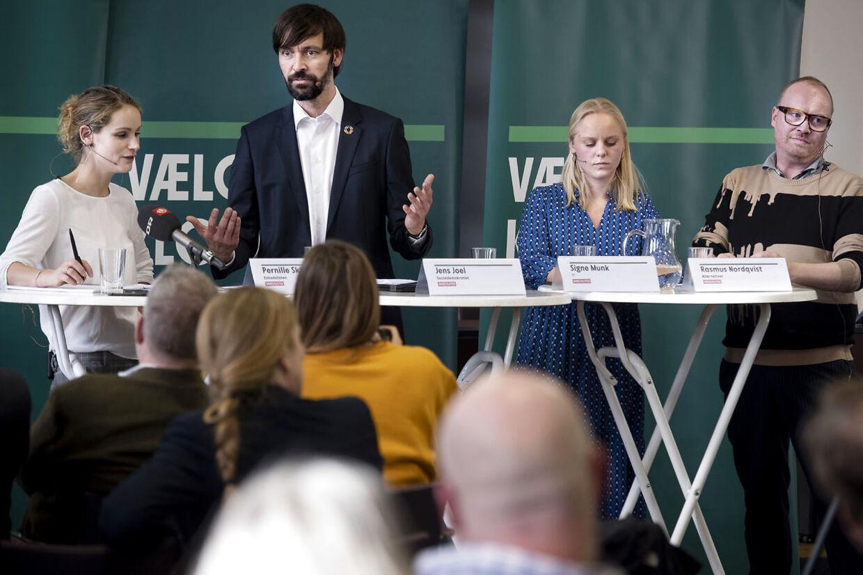 Pernille Skipper, Signe Munk (SF), Rasmus Nordqvist (ALT) og Jens Joel (S) ved Enhedslistens præsentation af nyt klimaudspil i Landstingssalen på Christiansborg, onsdag den 13. februar 2019.