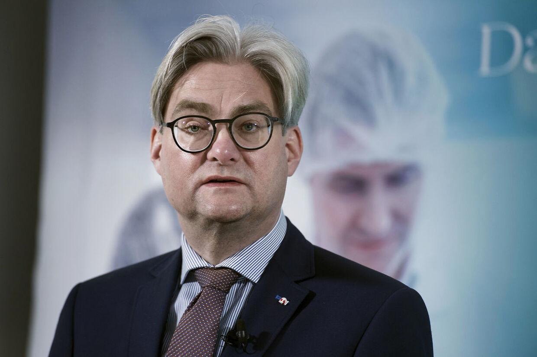 Søren Pind stiller spørgsmålstegn ved, om Klaus Riskær Pedersen er værdig til at sidde i Folketinget.
