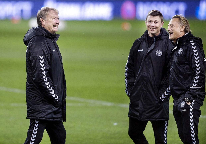 En gylden landsholdstrio. Landstræner Åge Hareide, assistenttræner Jon Dahl Tomassen og målmandstræner Lars Høgh. Også i DBU har Lars Høgh modtaget enorm støtte, som han værdsætter til fulde.