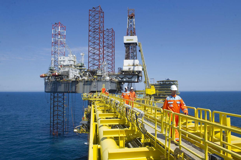 Olie produktionen begyndte i Danmark i 1972. Her et blik på en Mærsk-platform et andet sted i Nordsøen. (Arkivfoto)