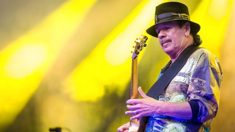Arkivfoto. Guitarlegenden Carlos Santana var bladt T-Rex Effects' kunder. Nu er den danske virksomhed gået konkurs. EPA/CHRISTOPH SCHMIDT GERMANY