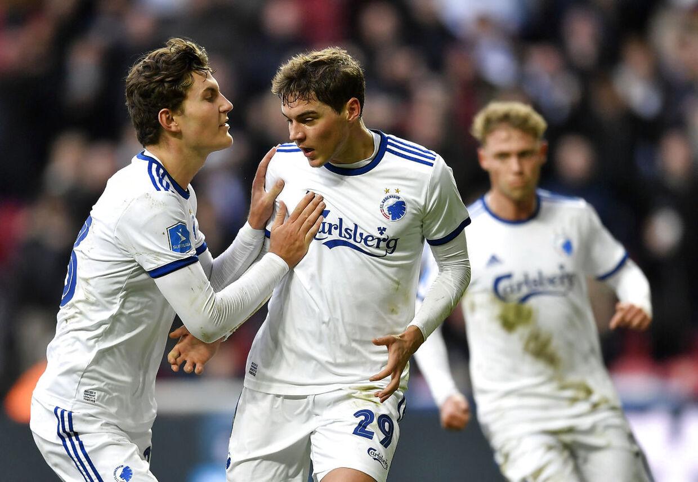 Robert Skov scorede på straffespark i søndagens Superligakamp mod Vejle.