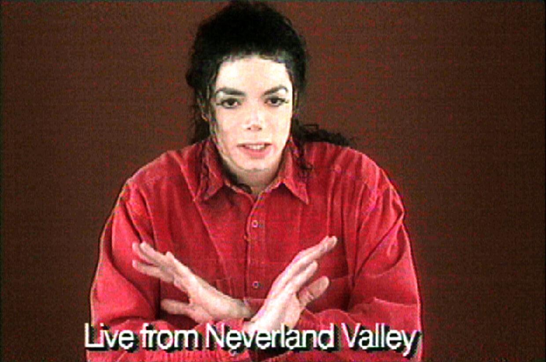 Grab fra den livevideo fra 1993, hvor Michael Jackson forsvarer sig mod anklagerne om seksuelle overgreb.