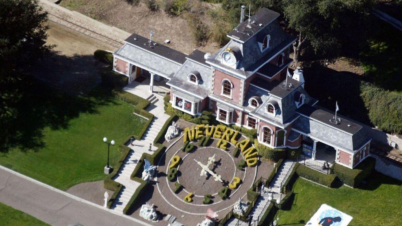 Neverland Valley Ranch er mest berømt som værende den legendariske popkonge Michael Jackson's hjem fra 1988 til 2005. Ranchen er opkaldet efter den fantasi ø, som i historien om Peter Pan er der, hvor man aldrig bliver voksen.
