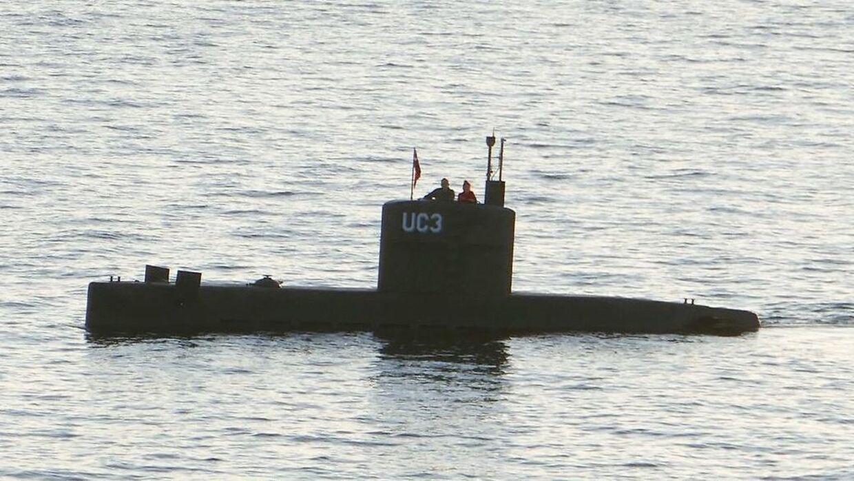 Her ses Peter Madsen og den svenske journalist Kim Wall ombord på opfinderens ubåd 'UC3 Nautilus' den 10. august 2017.