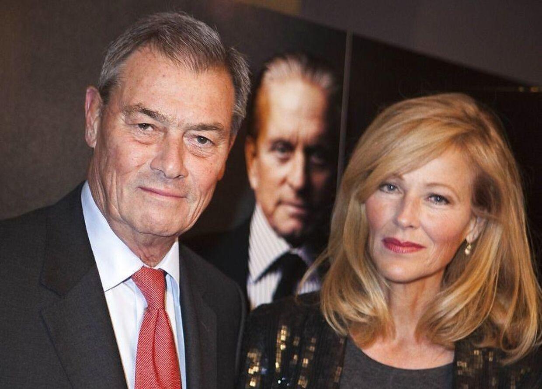 Asger Aamund er privat gift med Suzanne Bjerrehuus.