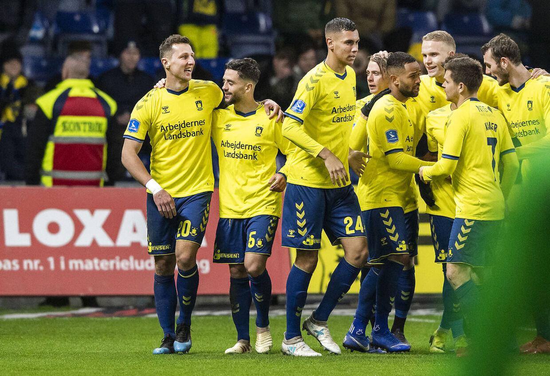 Kamil Wilczek (20), Brøndby IF og Besar Halimi (5), Brøndby IF, jubler efter målet til 2-2 under Superliga-kampen mellem Brøndby IF og AaB på Brøndby Stadion søndag den 10. marts 2019.