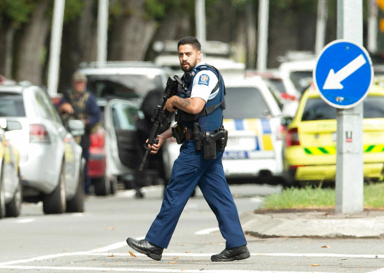 Armed police following a shooting at the Al Noor mosque in Christchurch, New Zealand, March 15, 2019. REUTERS/SNPA/Martin Hunter ATTENTION EDITORS - NO RESALES.NO ARCHIVES
