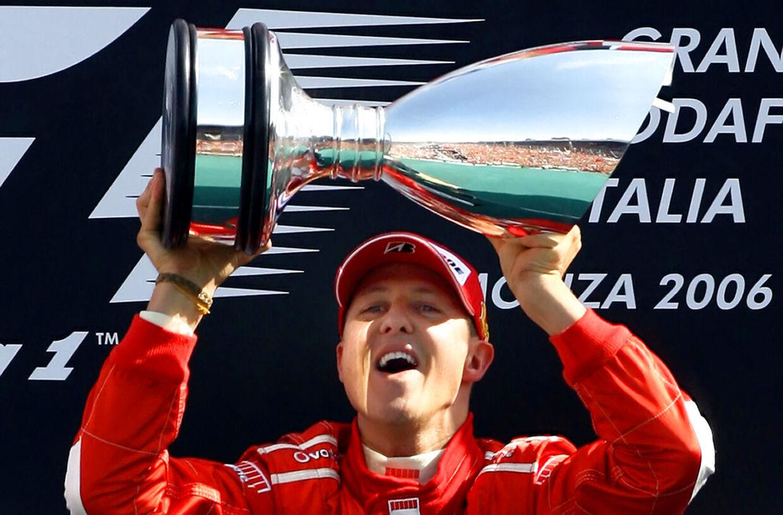 Michael Schumacher fejrer en Formel 1-titel i 2006.
