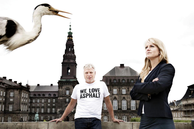 Uffe Elbæk (Alt) og Pernille Vermund (D).