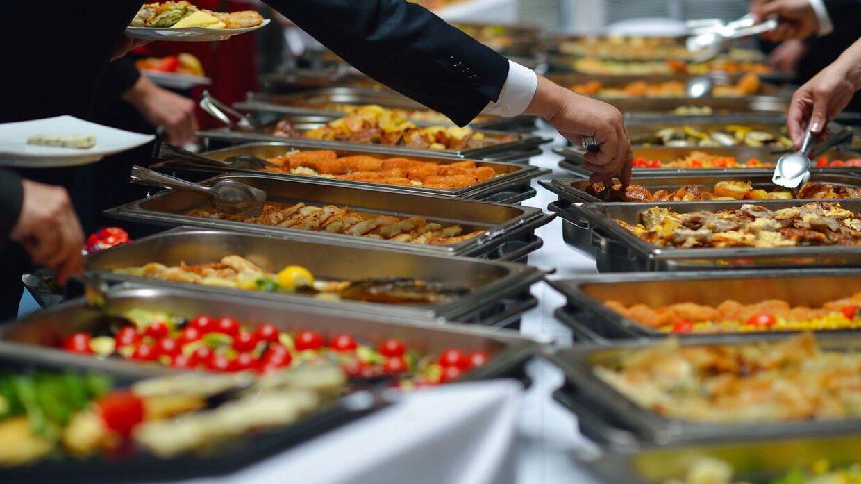 Politiken nedsabler buffetrestauranterne Ilden og Flammen i en anmeldelse.