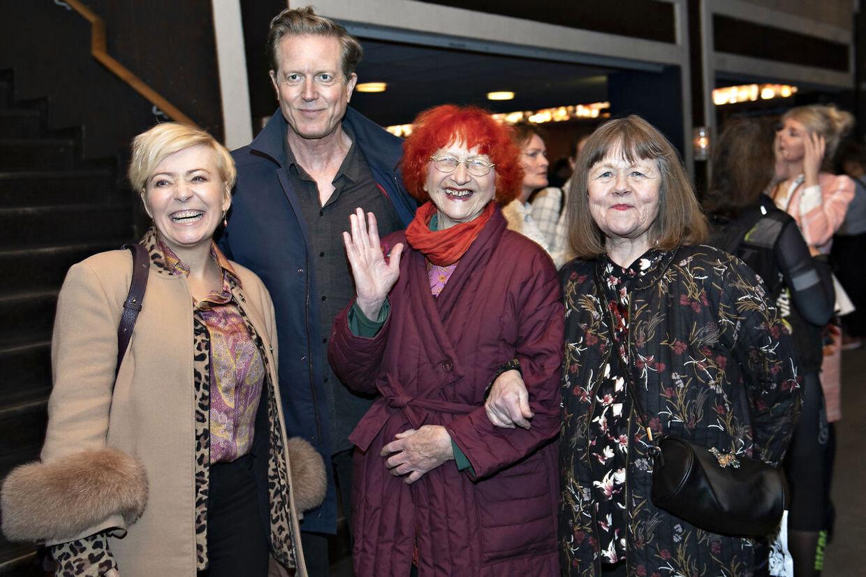 Jytte Abildstrøm med sønnen Peter Mygind, svigerdatter Lise Mühlhausen og veninden Daimi.