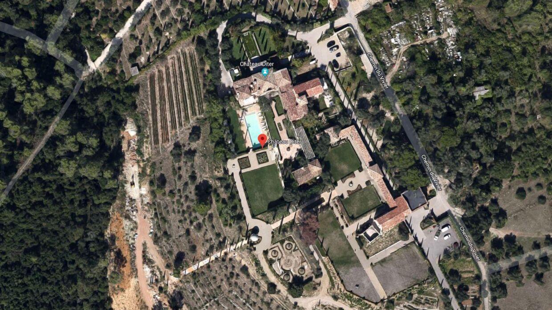 Et 425 millioner dyrt slot i Sydfrankrig skal rives ned, fordi ejeren har udbygget ulovligt.