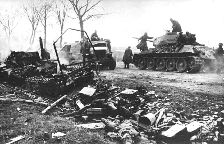 Russiske tropper rykker frem i Berlin.