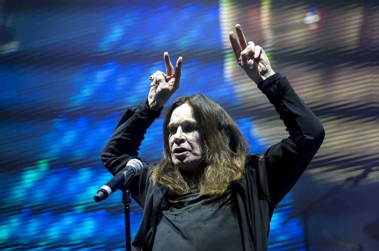 epa07486322 (FILE) Singer Ozzy Osbourne performs during the concert of the English rock band Black Sabbath in Papp Laszlo Budapest Sports Arena, in Budapest, Hungary, 01 June 2016 (reissued 05 April 2019). Ozzy Osbourne on 04 April has announced postponement of his 2019 tour as he recovers from injury sustained while dealing with pneumonia. Shows will be rescheduled beginning in February 2020. EPA/BALAZS MOHAI HUNGARY OUT