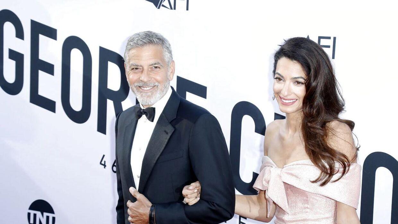 Her ses Amal Clooney med sin ægtemand, George.