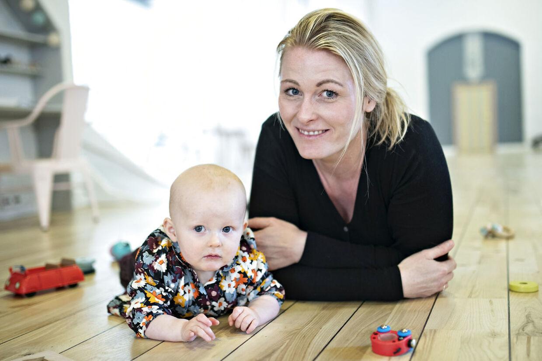 Mette Marie Tondering og hendes datter Luna på snart ti måneder.